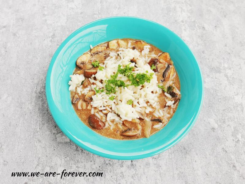 Vegane Rahmpilz-Pfanne mit Reis
