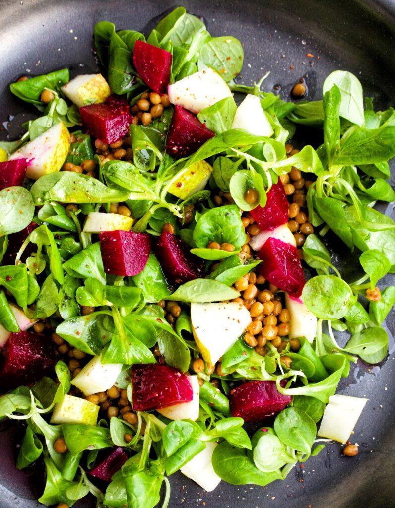Feldsalat mit Birne und Rote Bete