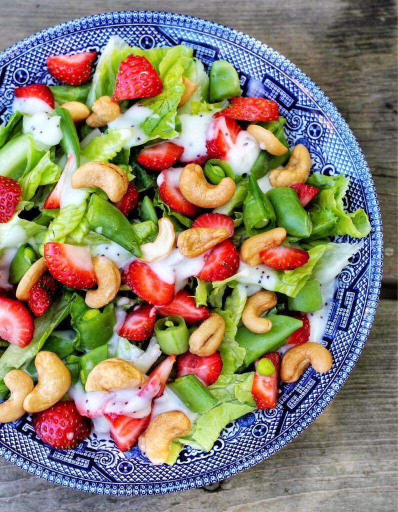 cashew-erdbeer-salat